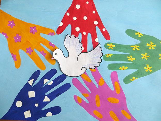 Рисунок-Аппликация Мир в наших руках (Вахрушев Сергей) заявка  № 6_